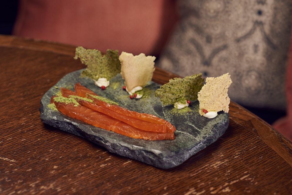 scarfes-bar-food-plymouth-gin-cured-loch-duart-scottish-salmonn
