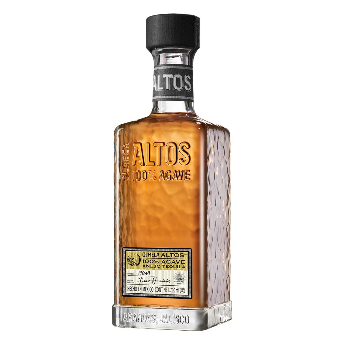 garrafa de altos tequila añejo