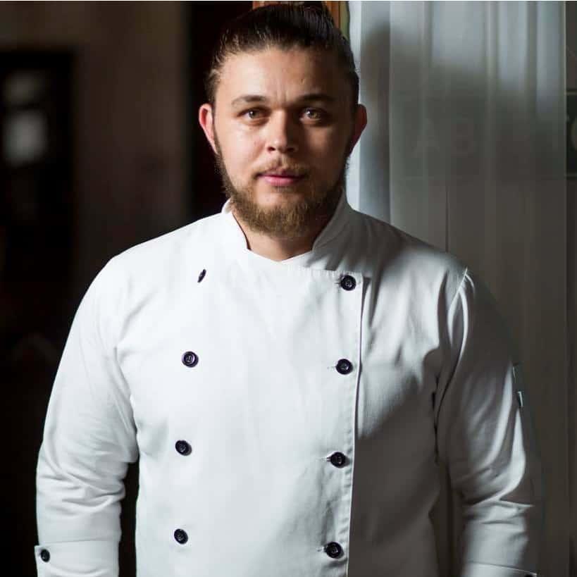 Chef Henrique Nunes, autor de PANC Gourmet