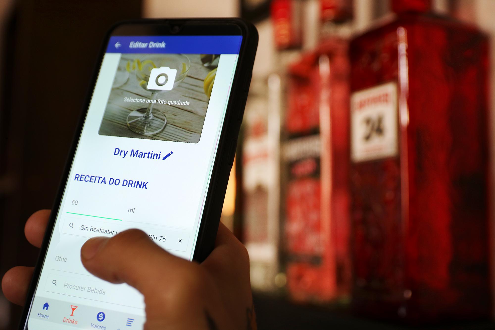 aplicativo drink2do na tela do smartphone