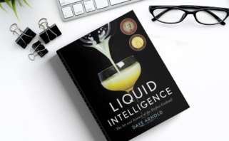 capa do livro liquid intelligence