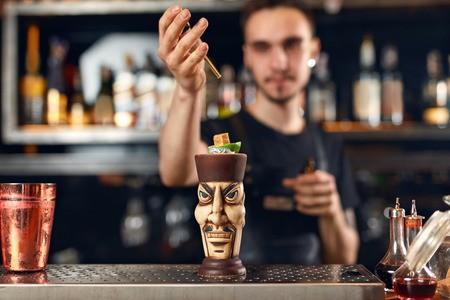 bartender no bar world of tomorrow
