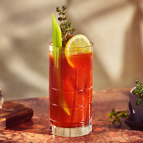 drink com beefeater london garden snap thyme