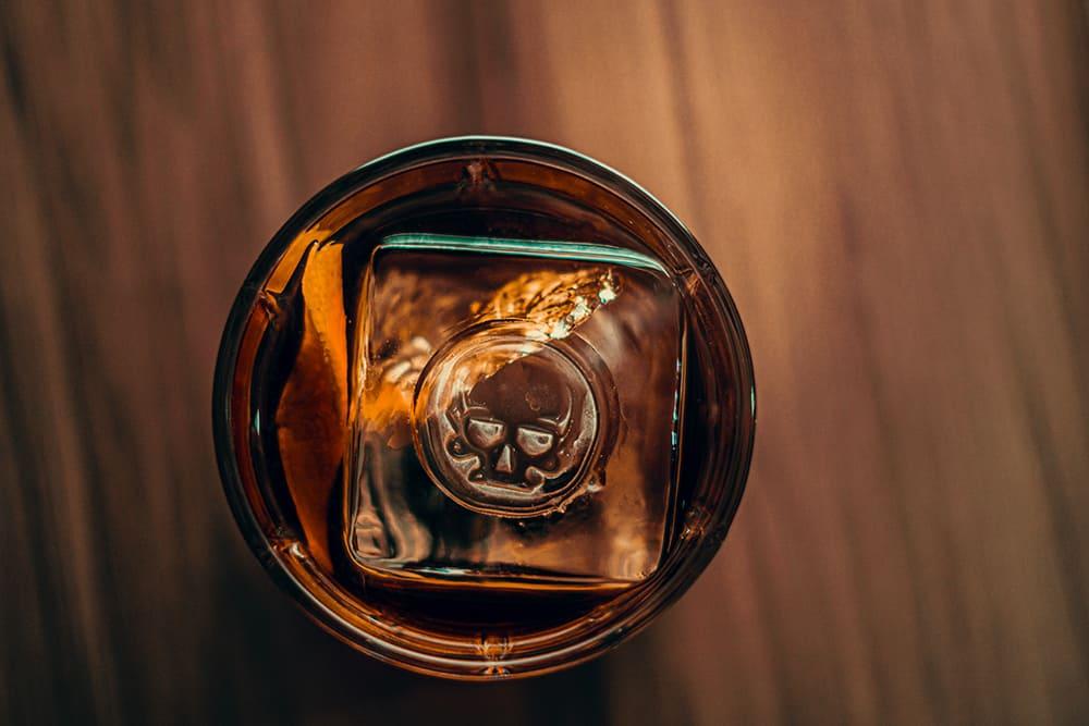 copo com gelo dentro